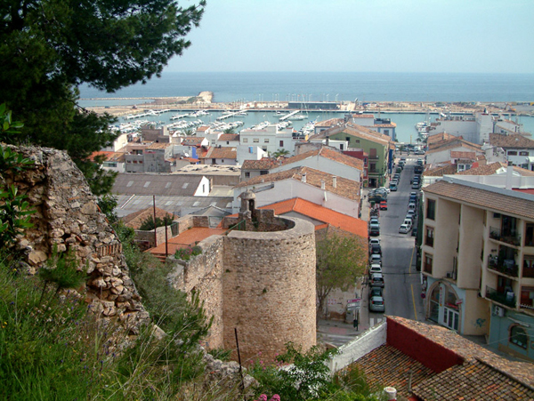 01 View of Denia from castle